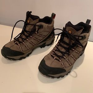 Merrell Outland Mid Waterproof boots BARELY WORN